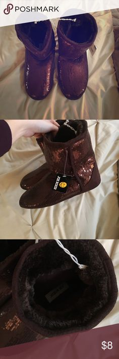 Joe Boxer Women's Bronze Sparkly Ankle Booties 7/8 New with Tags Joe Boxer Bronze Sparkly Ankle Booties M 7/8. Super fuzzy and warm interior and rubber bottom so you can wear these as slippers around the house or go to quick cozy shoes! Make me an offer! Shoes Ankle Boots & Booties