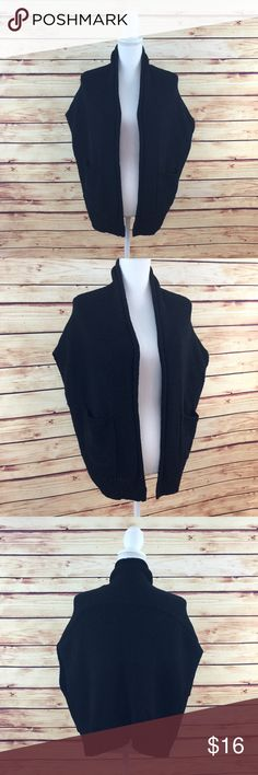 """Make Bundle Offer • Gap Black Knit Sweater Vest ▫️Brand: Gap ▫️Size: S ▫️Material: Cotton/Nylon ▫️Flaws: NONE  ▫️Description:  •Open front  •Sleeveless  •Side pockets •Loose fit  ▫️Measurements Laying Flat: •Waist: 24"""" •Length: 21"""" •Shipping Weight: 11oz  ▪️NO Trade/Hold ▪️Next Day Shipping ▪️Smoke Free/Kitty Friendly Home GAP Sweaters Cardigans"""