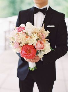 Red, pink and white bouquet captured by Jessica Lorren
