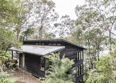 Dangar Island Vacation Home With Wooden Terrace – Design. Australian Architecture, Australian Homes, Australian Bush, Modern Architecture, Terrasse Design, Wooden Terrace, Boutique Homes, Villa, Vacation Home Rentals
