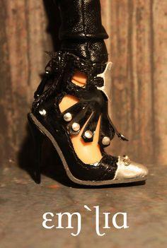 Toxica shoes by em`lia, via Flickr