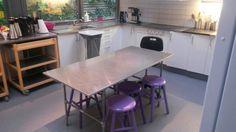 Arbejdsbord i køkkenet