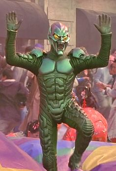 Marvel in film - 2002 - Willem Dafoe as the Green Goblin - Spider-Man by Sam Raimi Marvel And Dc Characters, Marvel Villains, Marvel Movies, Spiderman 2002, The Amazing Spiderman 2, Green Goblin Spiderman, The Sinister Six, Amazing Fantasy 15, Movies And Series