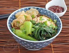 "Spicy Korean ""Ramen"" Noodle Soup via Jeanette's Healthy Living #pullupachair"