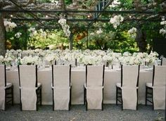 Black + White + Linen colors blog (by Laurie Arons Special Events & Meg Smith photo)