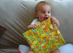 Les cadeaux d'anniversaire et de Noël vous font toujours autant plaisir.   Community Post: 16 signes que vous êtes un enfant coincé dans un corps d'adulte