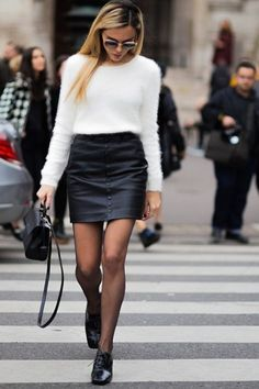 sind die 6 wichtigsten Modetrends im Herbst und Winter 2018 - Rabatt-Coupon . -discount coupon sind die 6 wichtigsten Modetrends im Herbst und Winter 2018 - Rabatt-Coupon . - Fashion Must Have 20 Leather Mini Skirt Outfits for Every Style Type Winter Skirt Outfit, Fall Winter Outfits, Winter Fashion, Winter Clothes, Fashion Models, Fashion Outfits, Fashion Trends, Style Fashion, Skirt Fashion