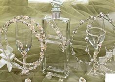 Golden Ring, Wedding Glasses, Greek Wedding, Big Day, Wedding Decorations, Marriage, Photo And Video, Wedding Crowns, Wedding Stuff