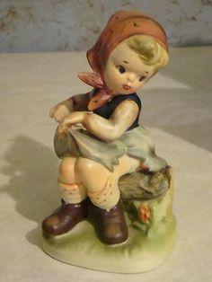 Wonderful Vintage Japan Bisque Little Girl with Flowers Figurine $14.99