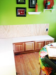 Hometalk :: Banquette Seating made from Kitchen Cabinets