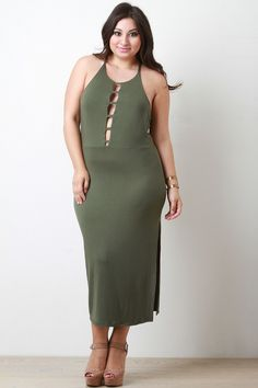 This plus size dress features soft jersey knit, cut out caged front, scoop… Curvy Girl Fashion, Plus Size Fashion, Mesh Clothing, Beautiful Girl Image, Plus Size Maxi Dresses, City Chic, India Beauty, Cold Shoulder Dress, High Neck Dress