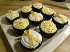 Childhood Cancer Awareness cupcakes - cute idea for a bake sale for CureSearch or L walks!