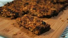 Coconut and ginger nutty granola bars
