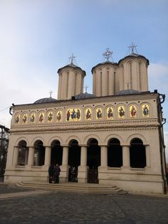 Patriarchal Cathedral, Roman Orthodox Church, Bucharest, Romania Bucharest Romania, Place Of Worship, Mosque, Bulgaria, Wonderful Places, Us Travel, Temple, Cathedral, Greece