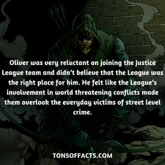 26 Amazing And Interesting Facts About The Green Arrow - Tons Of Facts Superhero Facts, Superhero Characters, Comic Book Characters, Comic Character, Comic Books, Justice League Team, Best Book Reviews, Marvel Facts, Book Review Blogs