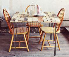 Mesa de jantar rústica                                                                                                                                                                                 Mais