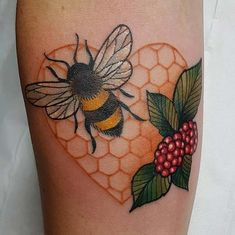 21 Cutest Bumble Bee Tattoo Designs That Will Catch Your Eye - Home of Best Tattoos Great Tattoos, Unique Tattoos, Beautiful Tattoos, Body Art Tattoos, New Tattoos, Sleeve Tattoos, Tattoos For Guys, Bumble Bee Tattoo, Bumble Bee Nails