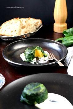 Un piatto vegetariano saporito e raffinato il tortino di patate e bietole con fonduta di gorgonzola