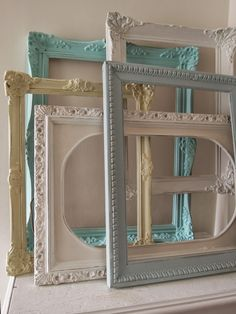 Vintage ideas with paint Empty Frames, Frames On Wall, Painted Frames, Vintage Photo Frames, Store Interiors, Furniture Makeover, Painted Furniture, Picture Frames, Diy Home Decor