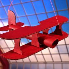 Lietadlo z kartónu a rúrok