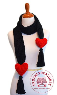 Find your favorite crochet heart patterns and more with my collection of Most Popular Free Crochet Patterns to Make for Valentine's Day. Crochet Scarves, Crochet Poncho, Crochet Clothes, Free Crochet, Confection Au Crochet, Scarf Knots, Holiday Crochet, Crochet Accessories, Crochet Crafts