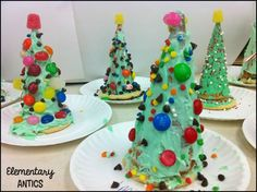 Elementary Antics: Edible Christmas Trees.  A fun and yummy treat or activity for your class holiday party!