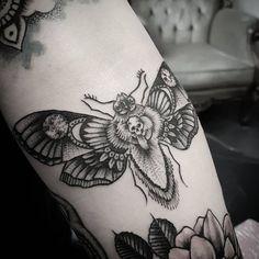 death moth tattoo meaning Death Head Moth Tattoo, Head Tattoos, Cute Tattoos, Tattoos For Guys, Piercing Tattoo, I Tattoo, Piercings, Body Piercing, Moth Tattoo Design