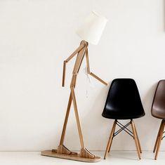 Drevené stojacie lampy Diy Wooden Floor, Wooden Flooring, Wooden Diy, Art Deco Lighting, Shop Lighting, Cheap Floor Lamps, Modern Led Ceiling Lights, Living Room Lighting, Logs