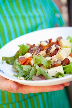 """""""Honey (Vinaigrette) X 3!"""" – Nut, Grape and Cheese Salad, from my Fairtrade cookbook, """"Reilun kaupan ruokaa ja elämää"""" (Perhemediat, 2009; photo: Sininen Kuva, Sipoo FIN) ⎮ recyclie.blogspot.fi"""