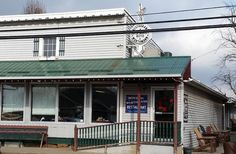 Nothing hits the spot quite like down-home cooking paired with heartwarming scenery. Here are 10 of our favorite Amish Country restaurants in Ohio. Amish Restaurant, Restaurant Recipes, Berlin Ohio, Amish Country Ohio, Ohio Destinations, Places To Travel, Places To Go, The Buckeye State, Vacation Spots