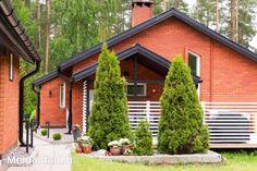 80-luvun tiilitalon uusi elämä   Meidän Talo Diy Projects, Cabin, House Styles, Outdoor Decor, Home Decor, Decoration Home, Room Decor, Cabins, Handyman Projects