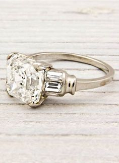 Unique Engagement Rings To Suit Every Indie Bride (PHOTOS)  Would love to reset my diamond into this setting