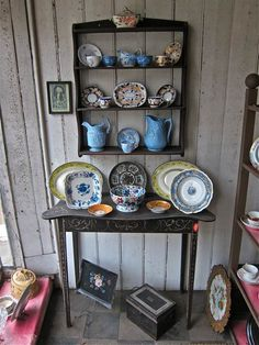 Vintage crockery drool. Discover the story of the antiques shop which sold the prettiest old plates to Dennis Severs House (a must visit if you're ever in London, it's a short walk from our shop).
