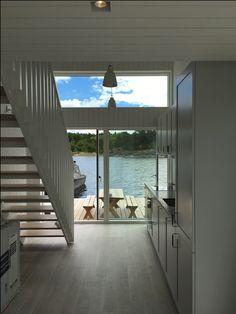 Interiör i platsbyggd skärgårdshus #sommarhus #fritidshus #naturmaterial #skandinaviskdesign #skandinaviskarkitektur