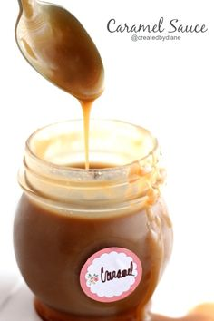 It only takes about 10 minutes to make this easy and delicious caramel sauce Dessert Sauces, Dessert Recipes, Biscotti, Just Desserts, Delicious Desserts, Yummy Treats, Sweet Treats, Salsa Dulce, Homemade Caramel Sauce