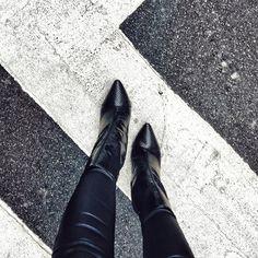 Essenza 110mm stiletto  black crocodile stiletto ankle boots