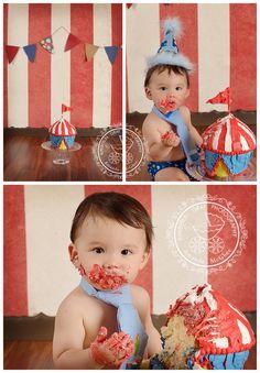 Carnival Cake Smash | Virginia Beach Birthday Baby Photographer | Kimberlin_Gray_PhotographyCustom Newborn Photographer in Virginia Beach