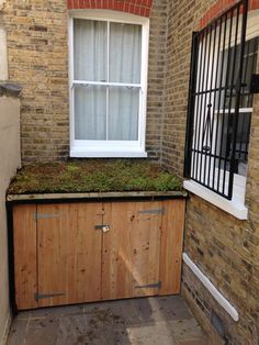 Brighton Bike Sheds, Built to fit your space Cycle Storage, Bike Storage, Sedum Roof, Green Roof System, Hill Country Homes, Gravel Garden, Bike Shed, Roof Plan, Garden Spaces
