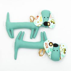 Although the dachshund is primarily intended for babies, it has its fans from all ages. On special request we can make them without rattle. Unique Baby Gifts, Cute Gifts, Green Toys, Handmade Toys, New Moms, Baby Toys, Dachshund, Baby Shower Gifts, Kitten