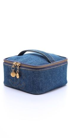 Vintage Chanel Denim Cosmetic Case WGACA Vintage Vintage Chanel Denim Cosmetic Case The post Vintage Chanel Denim Cosmetic Case appeared first on Beautiful Daily Shares. This could be made from recycled denim and have a dollar store mirror holder in the t Chanel Vintage, Vintage Denim, Makeup Bag Pattern, Best Cheap Makeup, Bag Sewing, Diy Sac, Denim Handbags, Denim Crafts, Recycled Denim