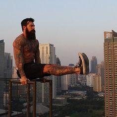 big dark beard beards bearded man strong strength #men #lean #muscle #fitness #streetworkout #calisthenic #workout #exercises