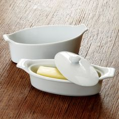 Chef Favorite Deluxe Butter Dish Chef Favorite http://www.amazon.com/dp/B008SD3Q1Q/ref=cm_sw_r_pi_dp_Zwb4tb1HA7MSE39G