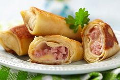 Learn how to prepare this Ham and Cheese Crepes recipe like a pro. With a total time of only 35 minutes, you'll have a delicious breakfast ready before you know it. Crepe Recipes, Ham Recipes, Other Recipes, Cooking Recipes, Ham And Cheese Crepes, Cordon Bleu, Hot Dog Buns, Food To Make, Easy Meals