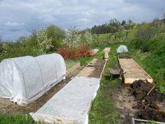Letošní rok je u nás ve znamení předělávání zahrady. Předěláváme vyvýšené záhony na vyvýšené záhony. Není totiž vyvýšený záhon jako vyvýšený záhon. Dosud jsme je...