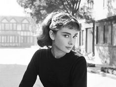 Audrey Hepburn hairstyles are one of the most chic, yet diverse hairstyles that you can ever see & that's why they are still alive till now.