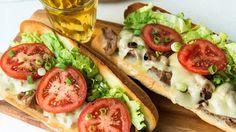 Sous-marins à la viande à fondue | Cuisine futée, parents pressés Quebec, Beef Dip, One Pot Pasta, Wrap Sandwiches, Sandwich Recipes, Quick Meals, Beef Recipes, Meal Prep, Dessert Recipes