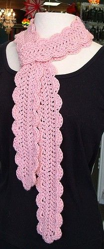 Free Crochet Scarf Pattern...very pretty
