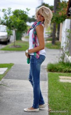 Love bright scarves and white tanks
