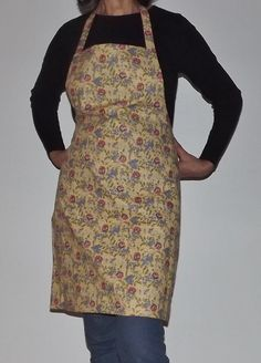 Reversible Full Apron Roses by TheLazyChickenCoop on Etsy, $10.00