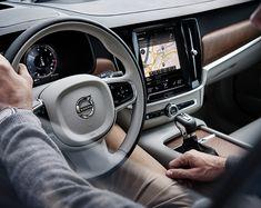 Volvo S90 - World-class safety - steering wheel